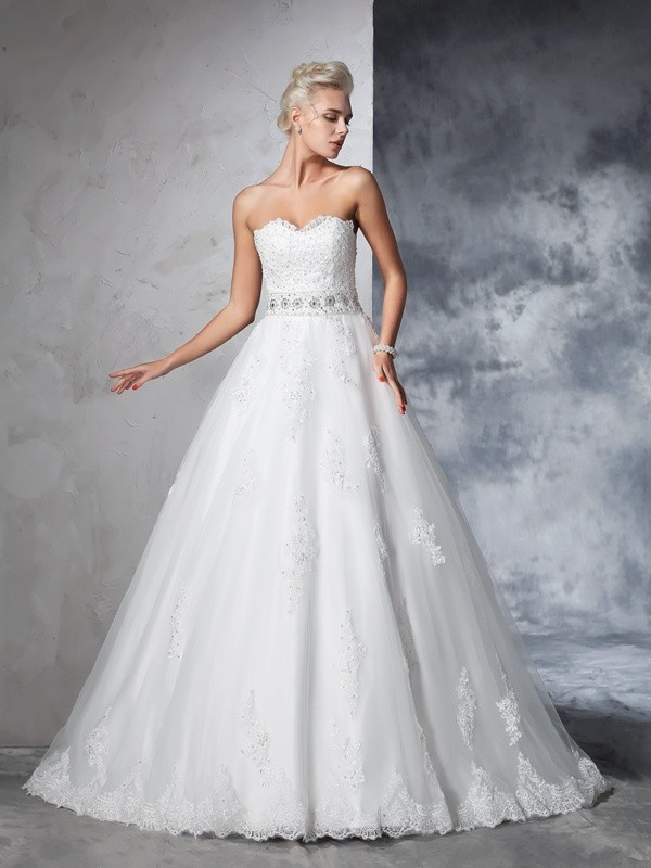 Chicregina Ball Gown Sweetheart Net Chapel Train Wedding Dress with Lace Applique