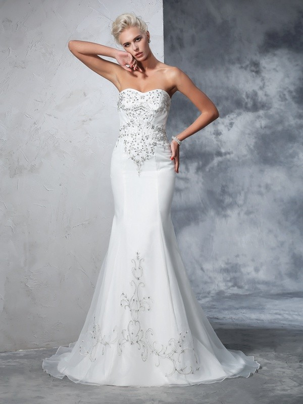 Chicregina Trumpet/Mermaid Sweetheart Satin Court Train Wedding Gown with Beading Ruched