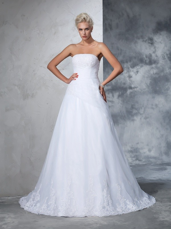 Chicregina Ball Gown Strapless Net Court Train Wedding Gown with Beading Applique