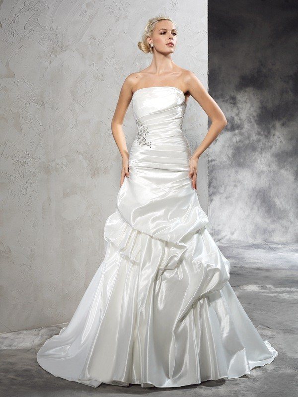 Chicregina Sheath/Column Strapless Court Train Satin Wedding Dress with Ruched Pleats