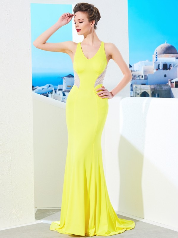 Chicregina Trumpet/Mermaid V-neck Sleeveless Sweep/Brush Train Spandex Dress With Beading