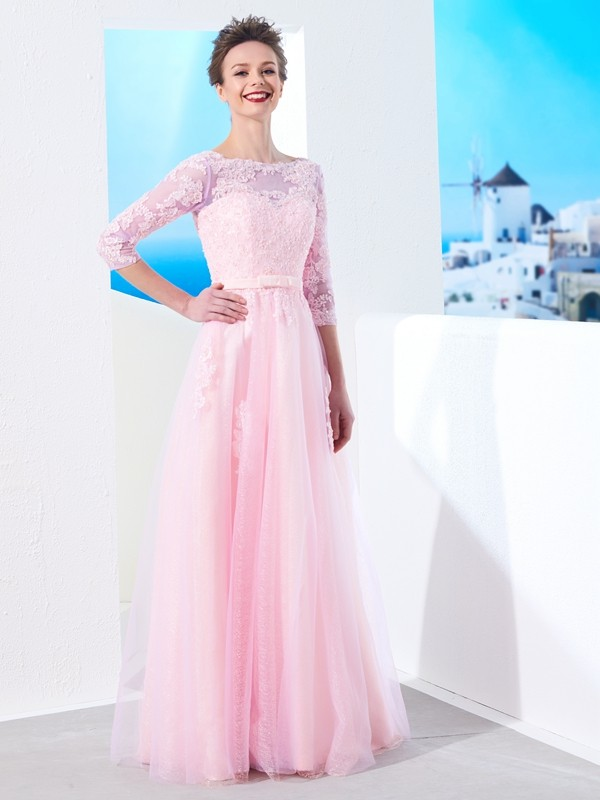 Chicregina A-Line/Princess Bateau 1/2 Sleeves Long Tulle Dress With Applique
