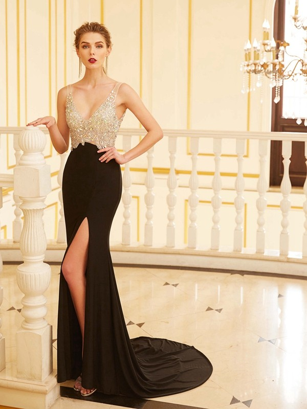Chicregina Sheath/Column V-neck Sleeveless Sweep/Brush Train Spandex Dress With Beading