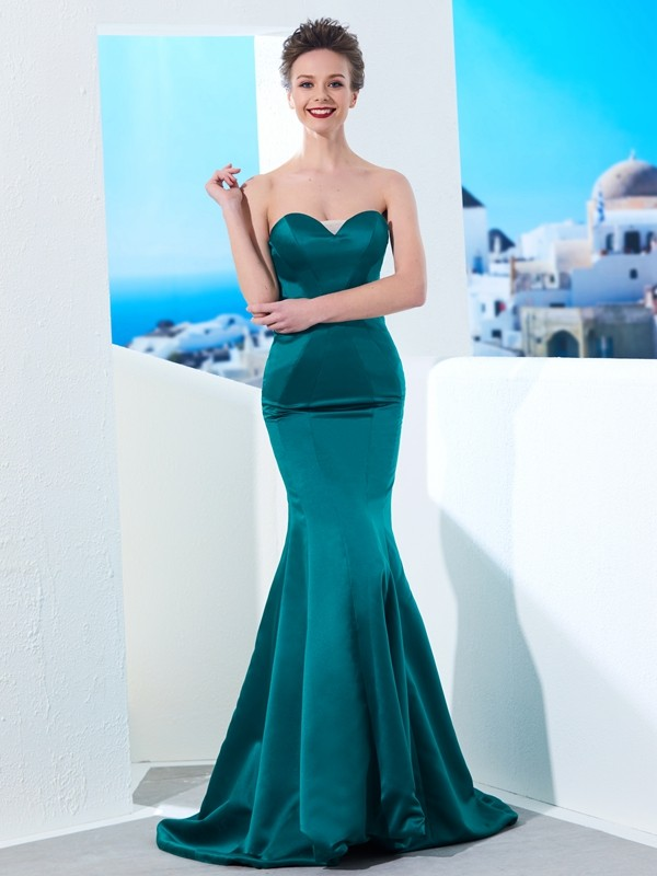 Chicregina Trumpet/Mermaid Sweetheart Sleeveless Sweep Train Satin Dress With Ruched