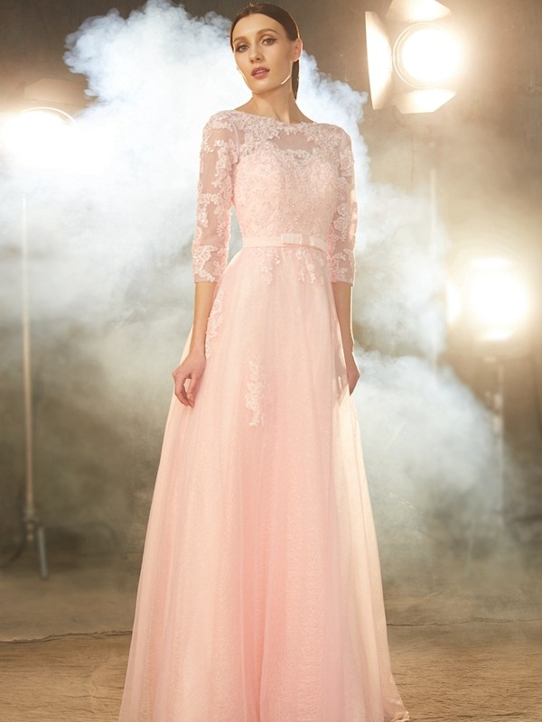 Chicregina A-Line Bateau 1/2 Sleeves Long Tulle Dress With Applique