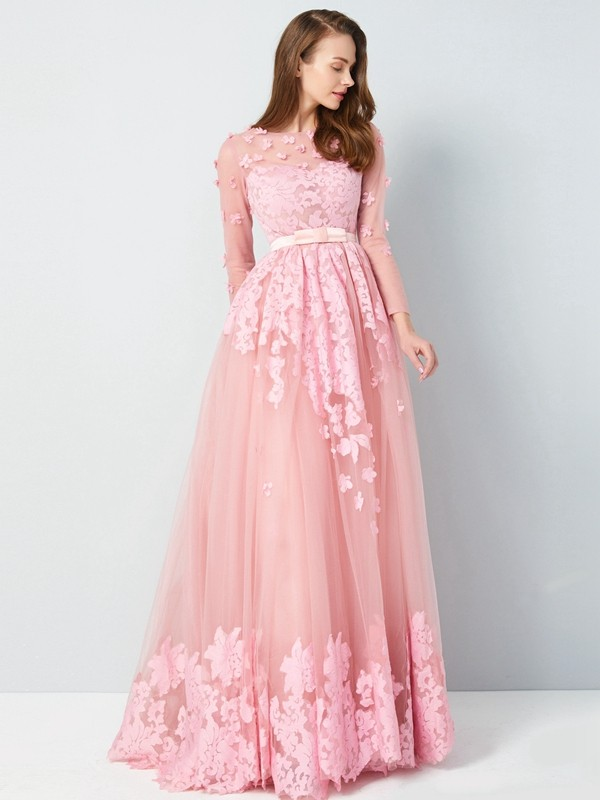 Chicregina Princess Scoop 3/4 Sleeves Long Tulle Dress With Applique