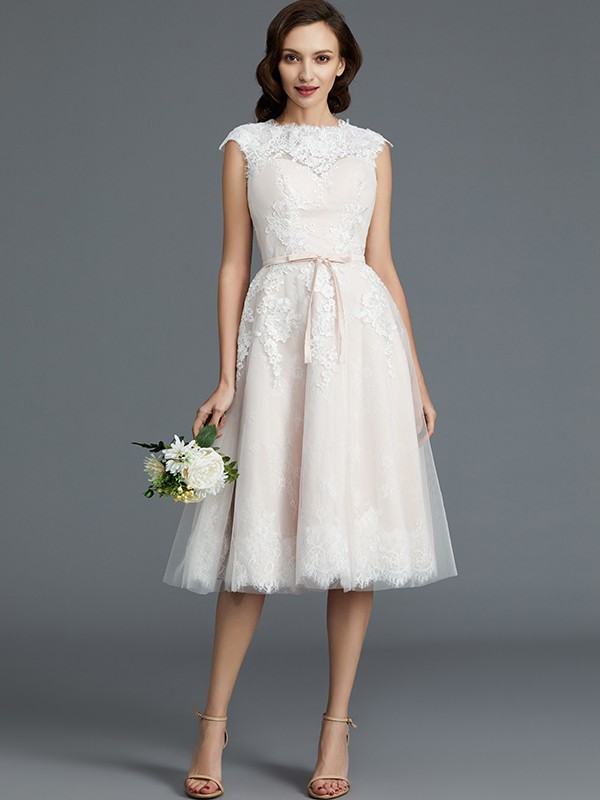 A-Line/Princess Sleeveless Bateau Tulle Knee-Length Wedding Dresses
