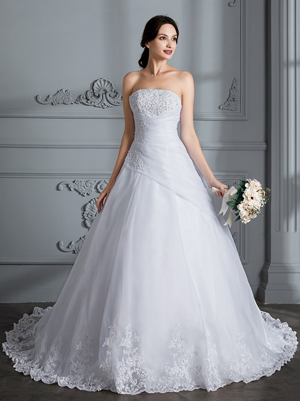 Ball Gown Strapless Sleeveless Organza Court Train Wedding Gowns