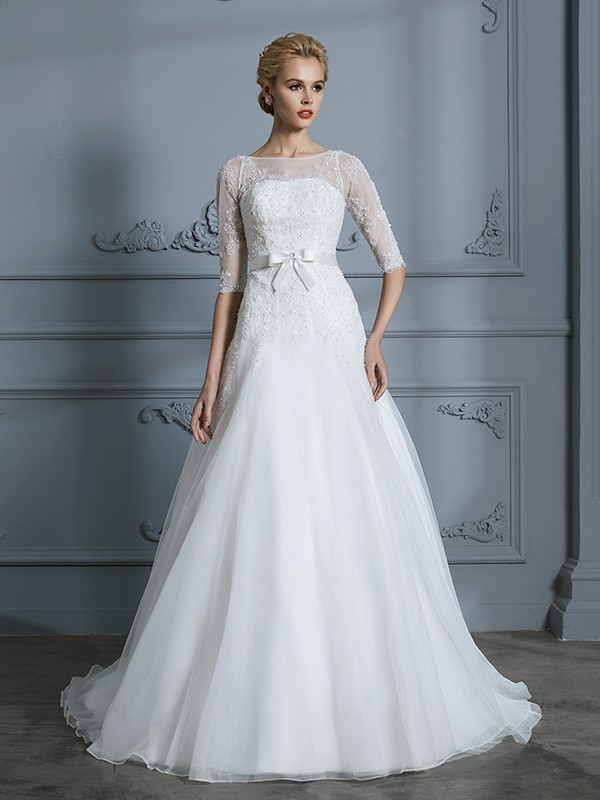 A-Line/Princess 1/2 Sleeves Scoop Tulle Court Train Lace Wedding Dresses