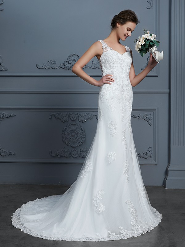 Trumpet/Mermaid V-neck Sleeveless Lace Court Train Tulle Wedding Gowns