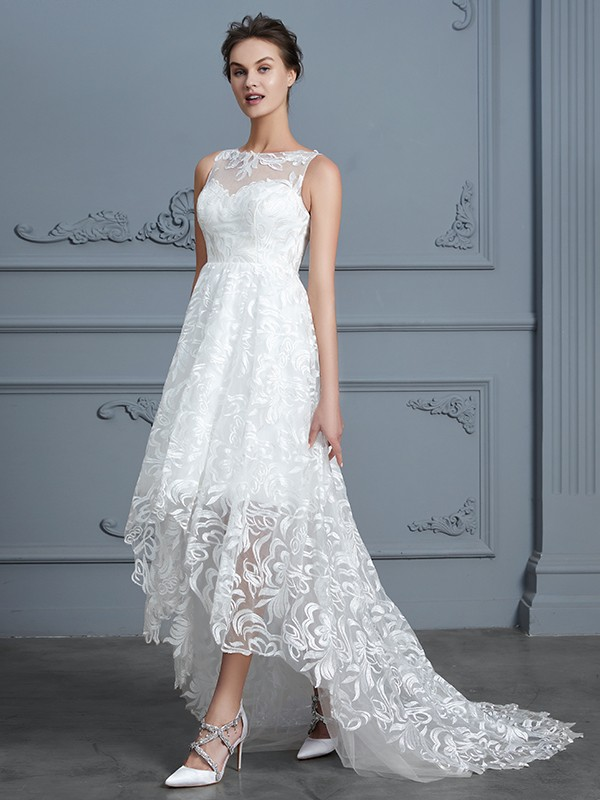 A-Line/Princess Scoop Sleeveless Asymmetrical Lace Wedding Gowns