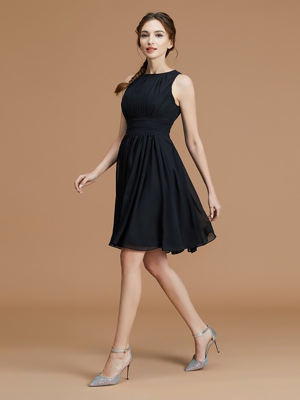 A-Line Bateau Chiffon Sleeveless Short Bridesmaid Dresses With Ruffles