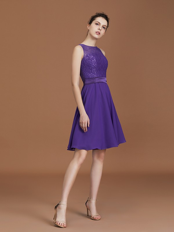 A-Line/Princess Lace Sleeveless Bateau Chiffon Knee-Length Bridesmaid Gown