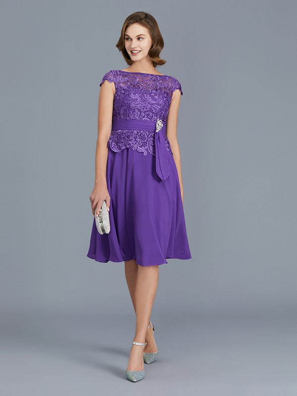 A-Line/Princess Bateau Chiffon Sleeveless Short Mother of the Bride Dresses With Beading