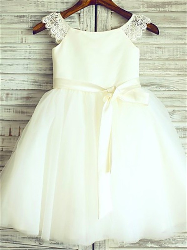 Chicregina A-Line/Princess Sleeveless Scoop Sash Tulle Flower Girl Dress