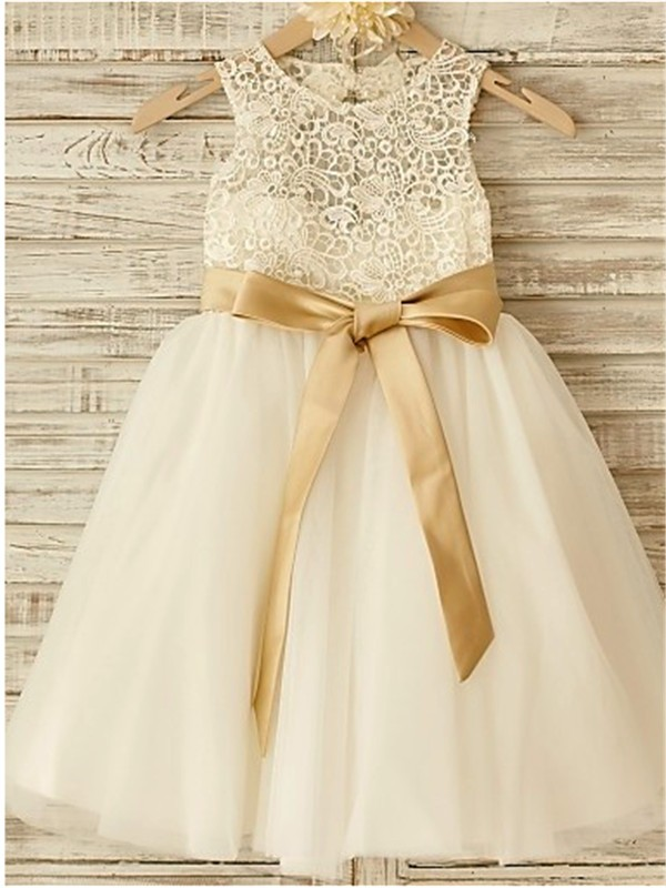 Chicregina Long A-Line/Princess Scoop Sleeveless Bowknot Flower Girl Dress with Tulle
