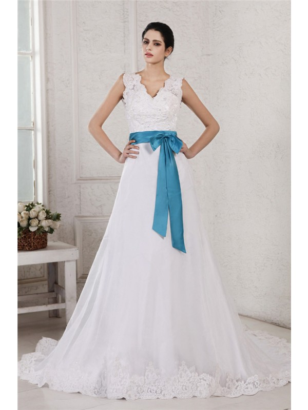 A-Line/Princess V-neck Sleeveless Applique Sash Long Organza Satin Wedding Dresses
