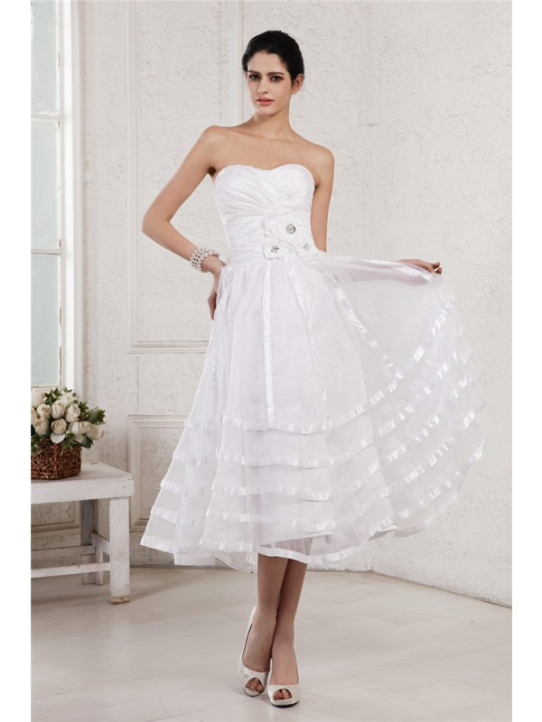A-Line/Princess Strapless Sleeveless Hand-Made Flower Pleats Short Organza Taffeta Wedding Dresses