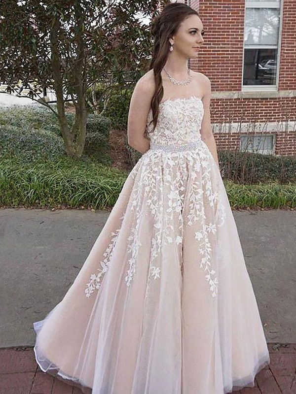 A-Line/Princess Strapless Sleeveless Tulle Floor-Length Dresses With Applique