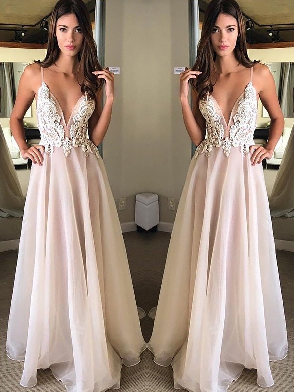 A-Line/Princess Spaghetti Straps Chiffon Sleeveless Sweep/Brush Train Dresses With Applique