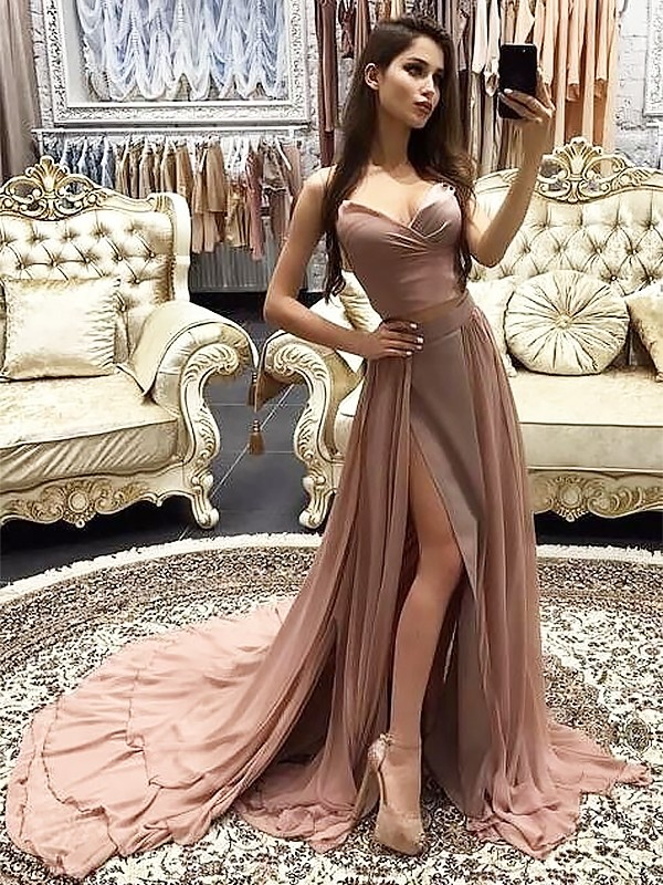 A-Line/Princess Sweetheart Sleeveless Chiffon Sweep/Brush Train Layers Dresses