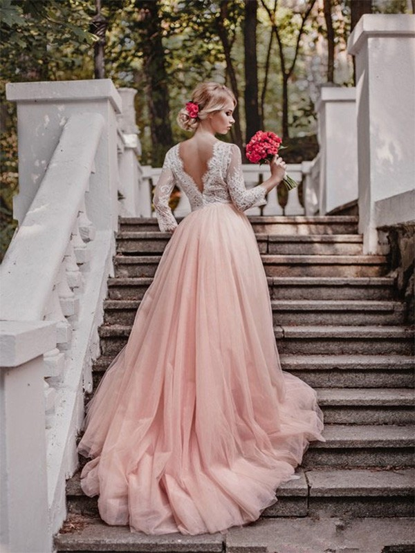 Ball Gown V-neck Tulle Long Sleeves Court Train Wedding Dresses With Applique