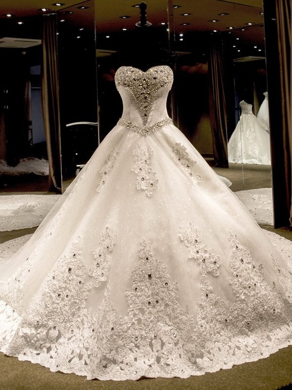 Ball Gown Sleeveless Sweetheart Tulle Cathedral Train Wedding Dresses With Applique Sequin