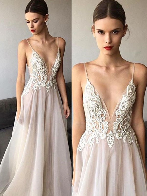 A-Line/Princess Sleeveless V-neck Spaghetti Straps Lace Sweep/Brush Train Tulle Wedding Dresses