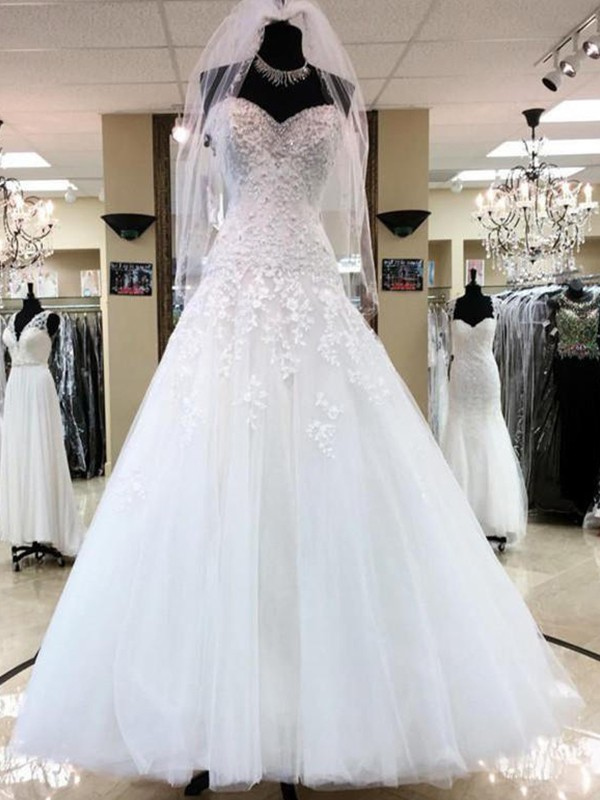 Ball Gown Sweetheart Sleeveless Tulle Floor-Length Wedding Dresses With Applique