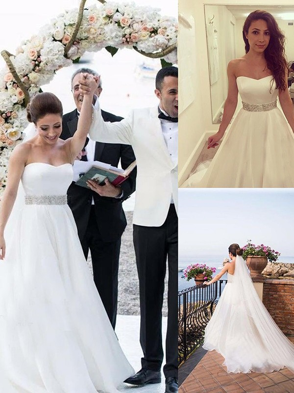 A-Line/Princess Sweetheart Sleeveless Tulle Sweep/Brush Train Wedding Dresses With Beading