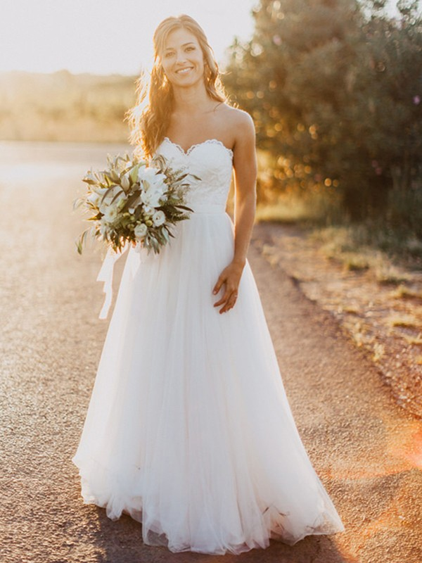 A-Line/Princess Sweetheart Tulle Sleeveless Floor-Length Ruched Wedding Dresses