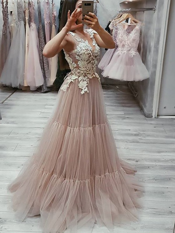 A-Line/Princess V-neck Sleeveless Applique Sweep/Brush Train Tulle Dresses