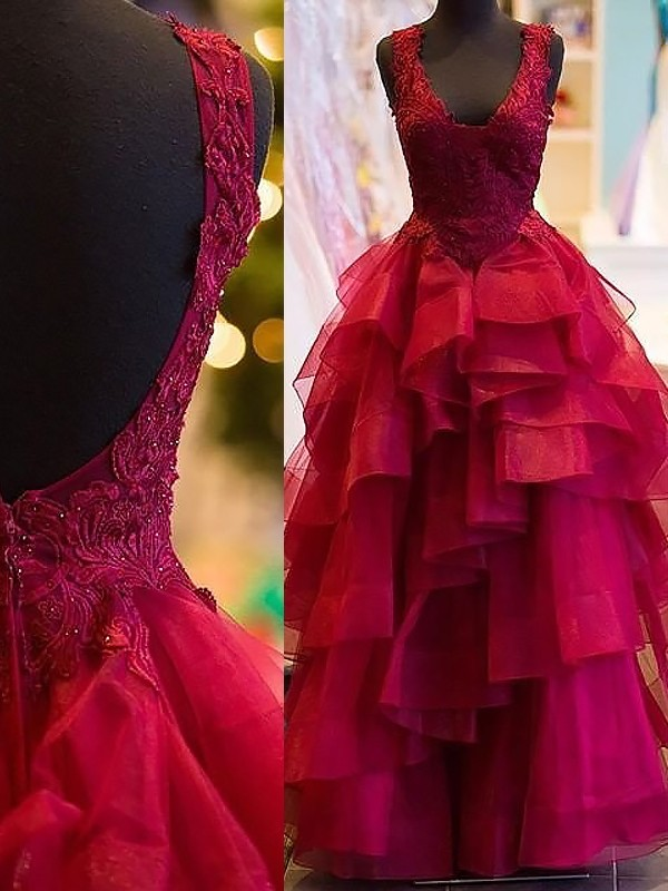 Ball Gown Sleeveless V-Neck Long Tulle Dress With Appliques