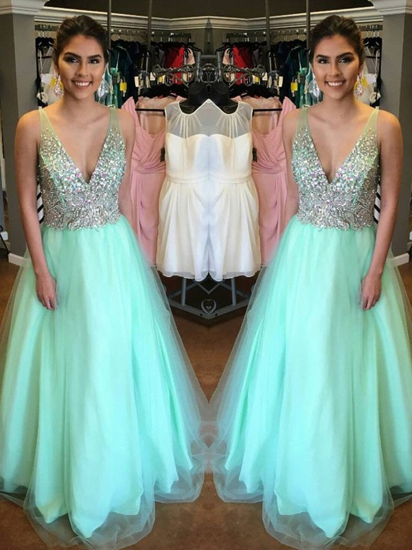 A-Line/Princess V-Neck Sleeveless Long Tulle Dress With Beading