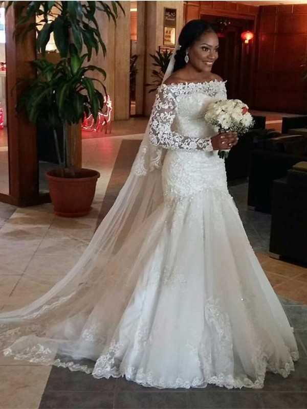 Trumpet/Mermaid Off-the-Shoulder Long Sleeves Sweep/Brush Train Tulle Wedding Dress With Lace