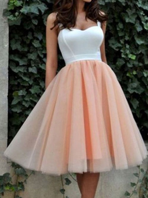 A-Line/Princess Sleeveless Sweetheart Tulle Knee-Length Dresses