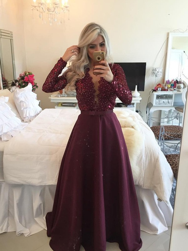 A-Line/Princess Scoop Long Sleeves Satin Dress With Sequins