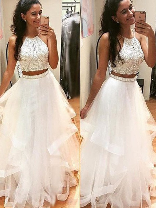 A-Line/Princess Sleeveless Halter Long Tulle Dress With Beading