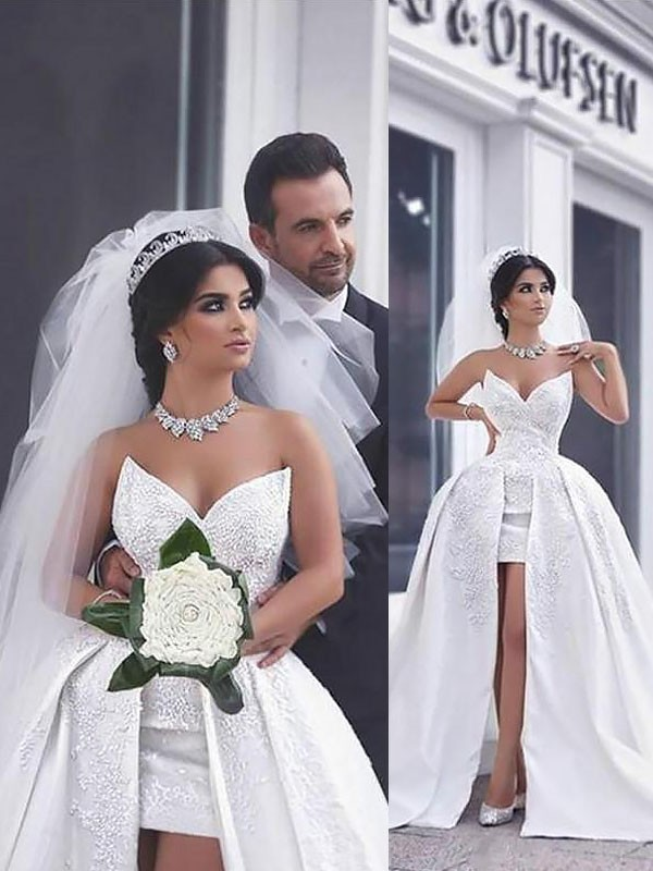 Ball Gown Beading Satin Sleeveless Chapel Train Sweetheart Wedding Dresses