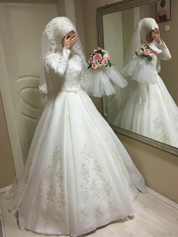 Ball Gown Jewel Floor-Length Bowknot Long Sleeves Tulle Wedding Dresses
