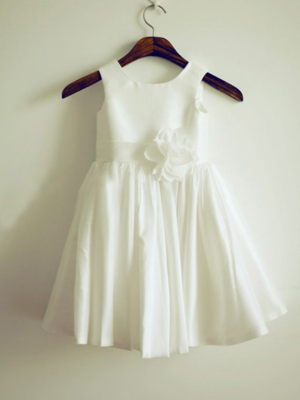 Chicregina Long A-Line/Princess Jewel Sleeveless Taffeta Communion Dress