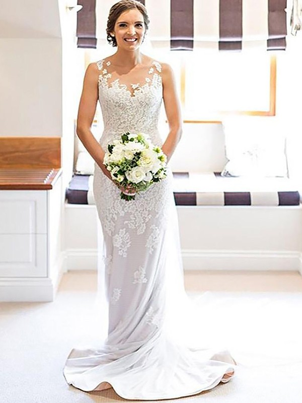 Sheath/Column Scoop Applique Sleeveless Lace Court Train Wedding Dresses